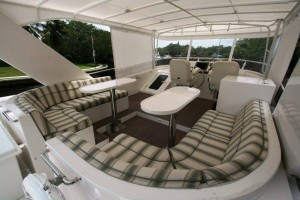 Symbol 66 used yacht for sale - fly bridge seating