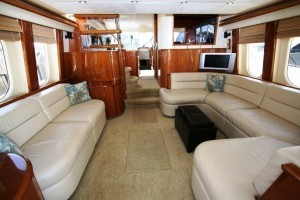 Viking yacht 68 sport cruiser salon