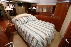 Viking yacht sport cruiser stateroom